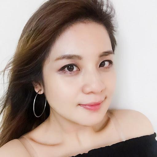 Monica Yang Photo 7