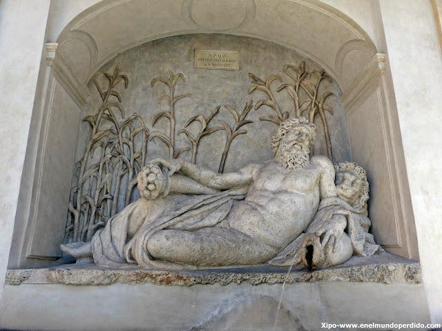 fuente-San-Carlo-alle-Quattro-Fontane.JPG