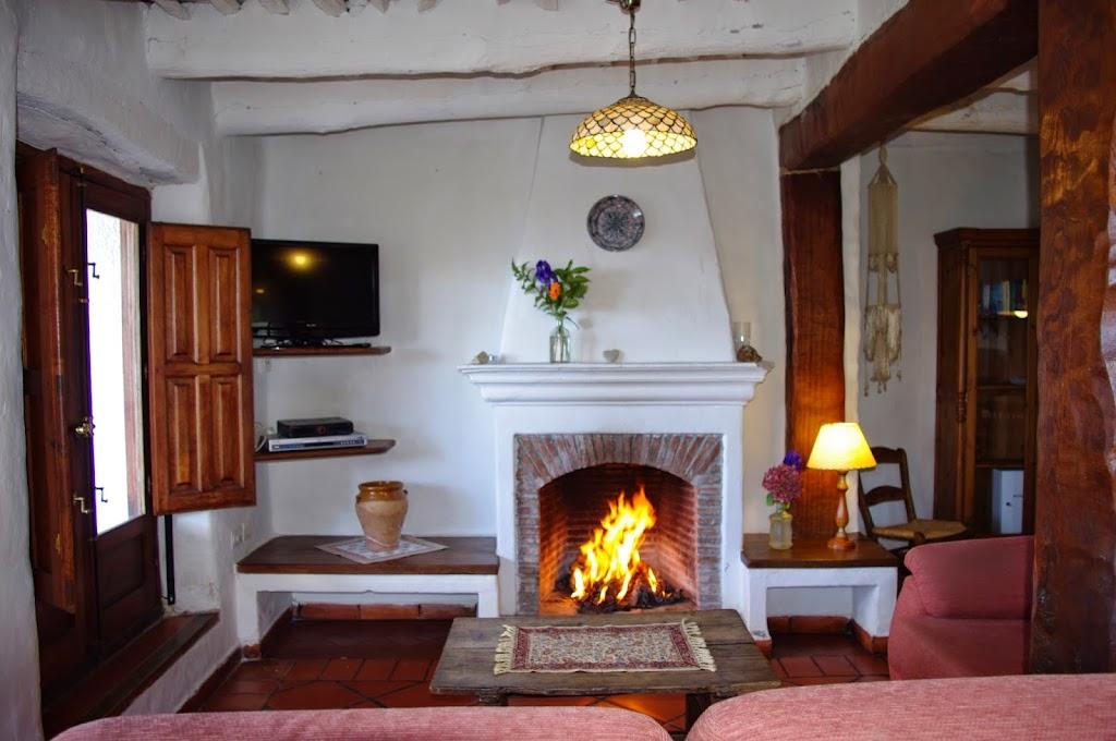 5-Casa Maite-chimenea