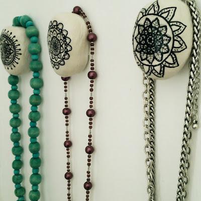 Diy pebble hangers, clay craft