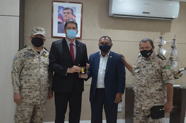 *Secretário Jefferson Portela recebe medalha Capelão Eloy José do Nascimento pelo trabalho realizado junto à capelania no Maranhão*