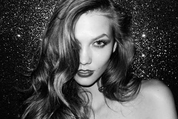 Karlie Kloss, blanco y negro