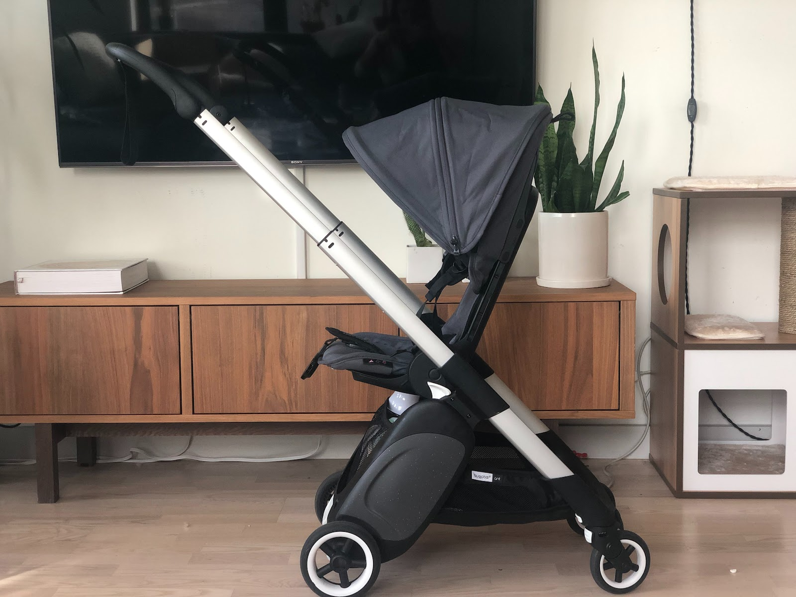 bugaboo ant stroller review: facing inward
