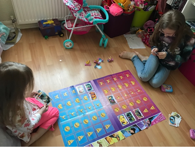 disney-princess-trading-card-game-playing