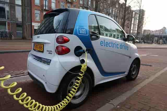 Electric Vehicles Will Become Cheaper Than Conventional Vehicles At This Time