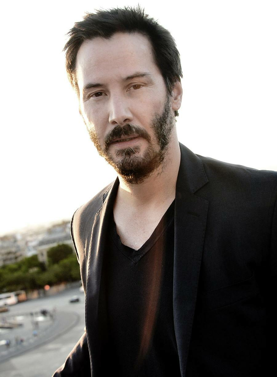 Keanu Reeves Unique photos collection, Keanu Reeves Awesome Pics, Snaps for  Instagram, Facebook fans share free download on www.MyWhatsappImages.com.