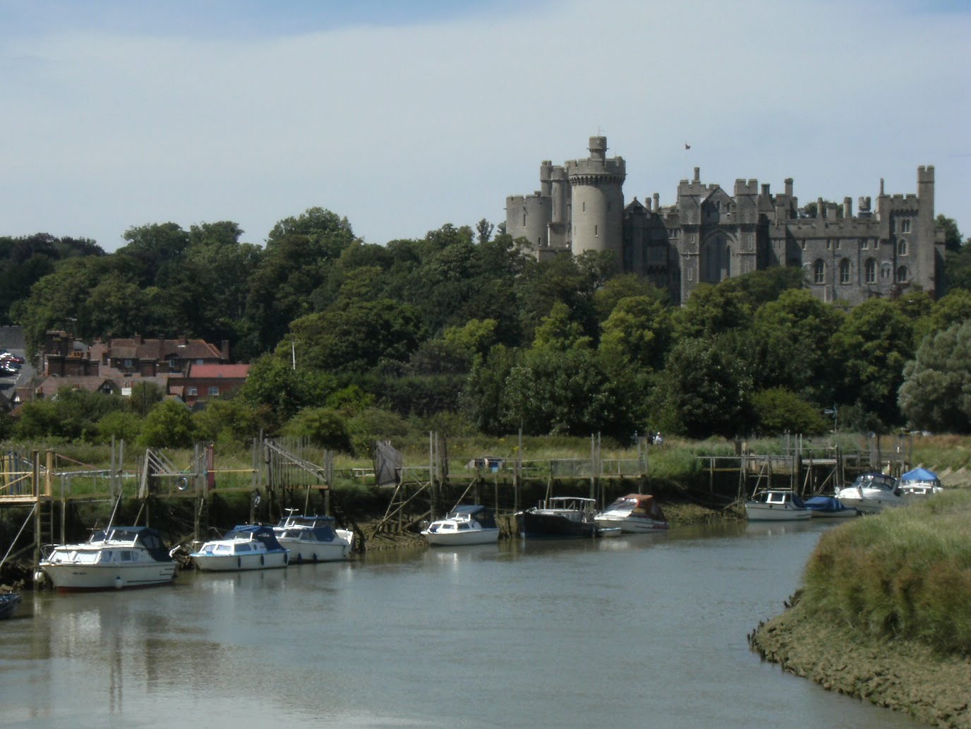 1007190092 Arundel Castle from the river