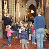 Kleuters bezoeken Martinuskerk - DSC_0033.JPG