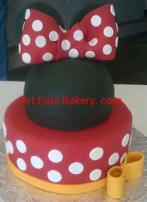 Great fun kids Micke and Minnie Mouse custom creative kids birthday cake design