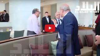 Vidéo: Issad Rebrab chahuté et empêché de tenir un point de presse à l'Aurassi