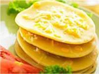 Jagung dapat diolah secara sederhana menjadi beragam makanan yang enak dan spesial RESEP PANCAKE JAGUNG SPESIAL KEJU