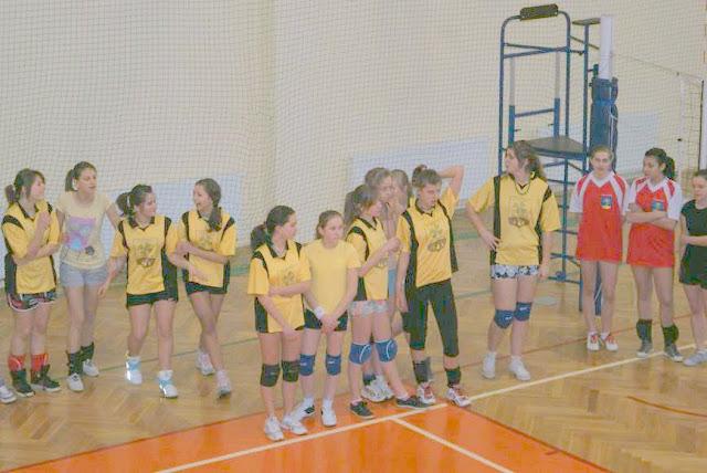 Zawody siatkarskie dziewczat 1 marca 2011 - DSC09277_1.JPG