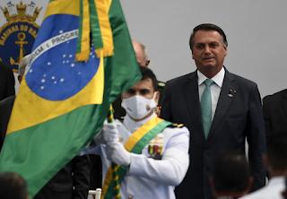 Bolsonaro quer fazer do feriado a liquidação da democracia