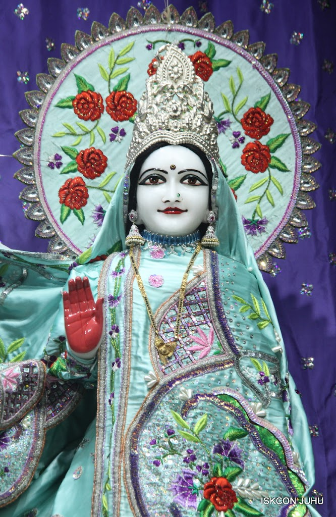 ISKCON Juhu Mangal Deity Darshan on 24th June 2016 (14)