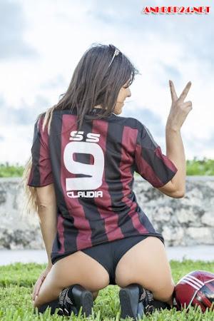 Claudia Romani fan nữ nóng bỏng của Real