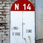 Borne marquant la limite Val-d'Oise - Eure