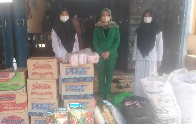 Galang Dana, Fatayat NU Pulang Pisau Bantu Korban Banjir di Kalsel