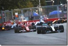 Hamilton davanti a Vettel a Baku