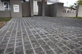 jenis lantai terbaik untuk rumah - batu