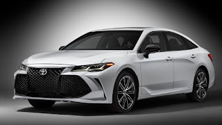 2019 Toyota Avalon | It's bigger and refined with lots of high-tech