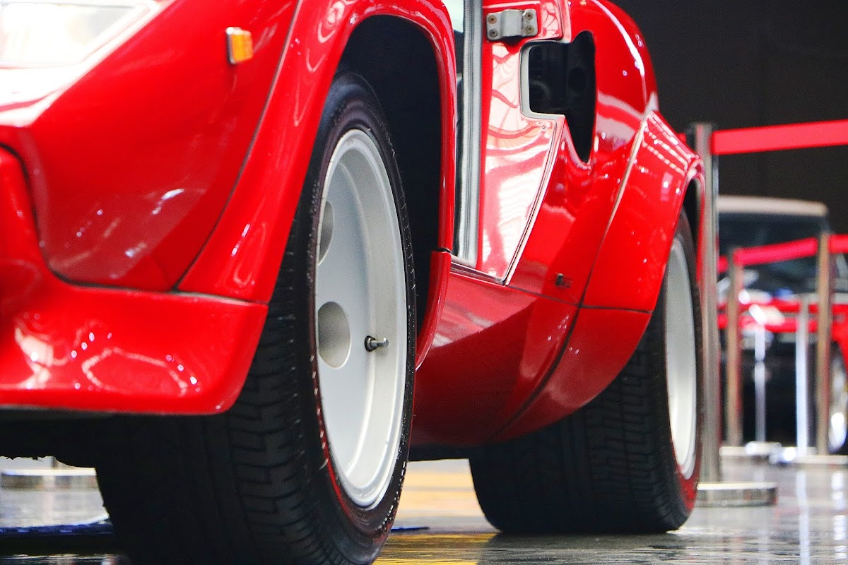 Lamborghini Countach (11).jpg