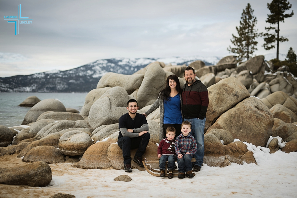 Tahoe Family Photos in the snow