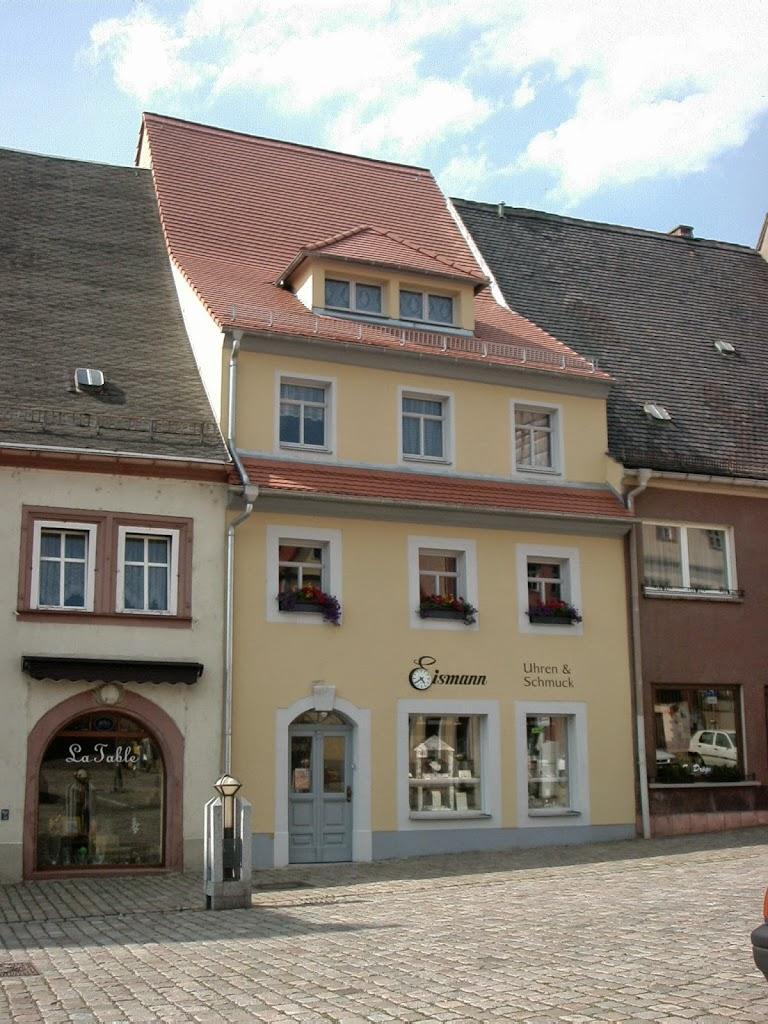 Fassadengestaltung mit Schrift.jpg