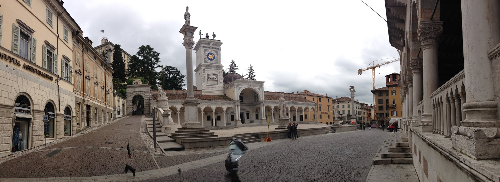 Loggia del Lionello at Piazza della Libertà
