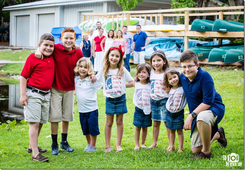 Extended-Family-Photo-Session-Hugh-Taylor-Birch-State-Park-FL-Photographer-5630