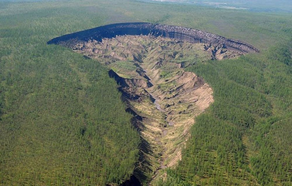 batagaika-crater-4