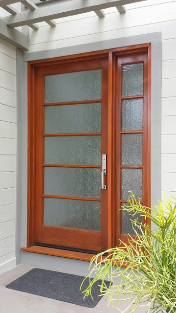 West facing Del Mar entry door with Sikkens Cetol 123Plus Finish Peek Brothers