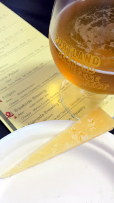 Portland Beer and Cheese Fest 2015, pairing of Breakside Brewing India Golden Ale with Mahon Curado Reserva cow cheese from Spain