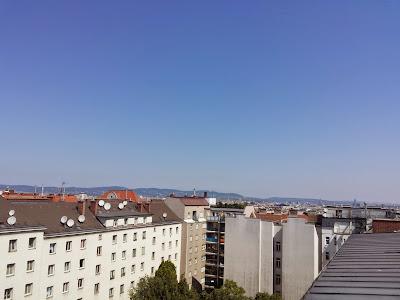 Ein perfekter Sommertag steht ins Haus. Nach tropischen 20.6 Grad in der Früh steigen die Werte auf bis zu 35 Grad an. Dazu gibt es Sonne pur! #Wetter  #Wien  #Wettervorhersage #Montag