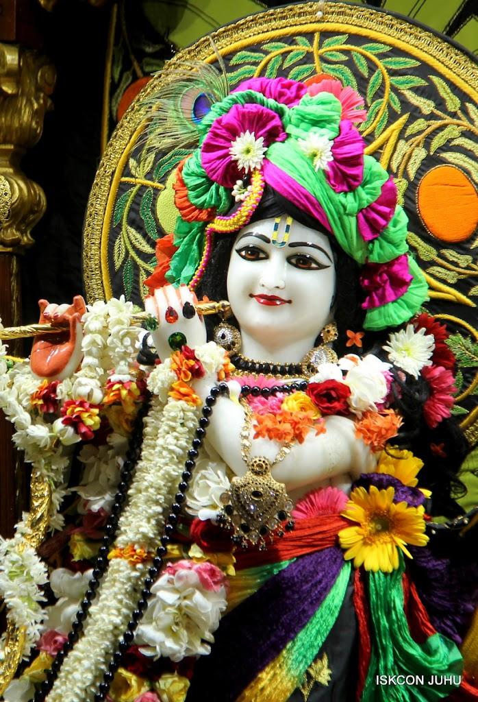 ISKCON Juhu Sringar Deity Darshan on 4th June 2016 (28)