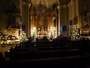Photo: Zum letzten Mal erstrahlt die Kirche im Weihnachtskleid.