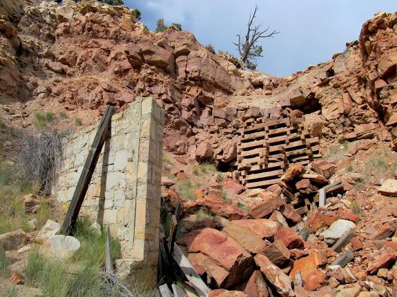Rock wall and cribbing
