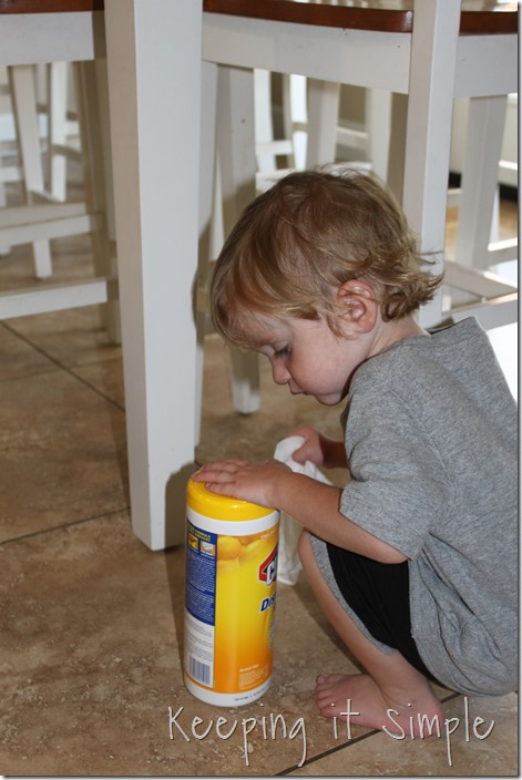 #ad Chores-That-Toddlers-Can-Do #BacktoClean (3)