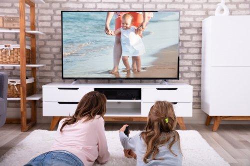Sedang Mencari Televisi Terbaik untuk Keluarga? Ini Dia Solusinya!
