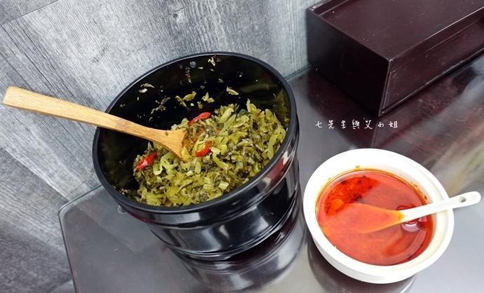 9 神仙川味牛肉麵 第一個被製成日本泡麵的台灣美食
