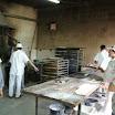 01 Immagine raffigurante la cooperativa COOPANSUR durante la preparazione diurna di prodotti di panificazione.jpg