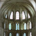 Collégiale Notre-Dame de Crécy-la-Chapelle : abside avec sa voûte d'ogives à 12 branches