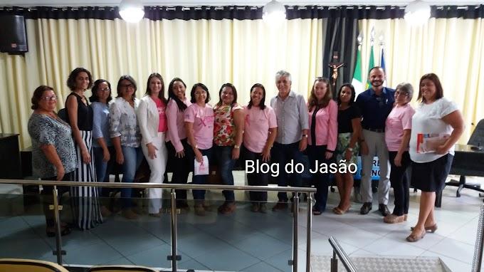 Imagens das Autoridades que fizeram uso da tribuna da Câmara durante a Audiência pública alusiva ao Outubro Rosa e alguns amigos.