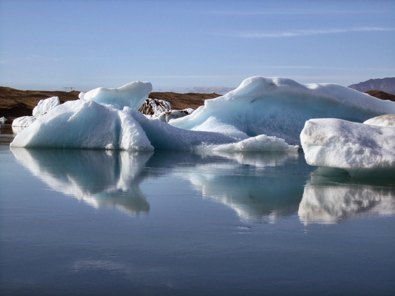 Some little icebergs. VK