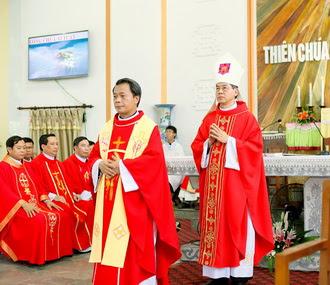 Giáo xứ Vô Hốt đón cha xứ mới