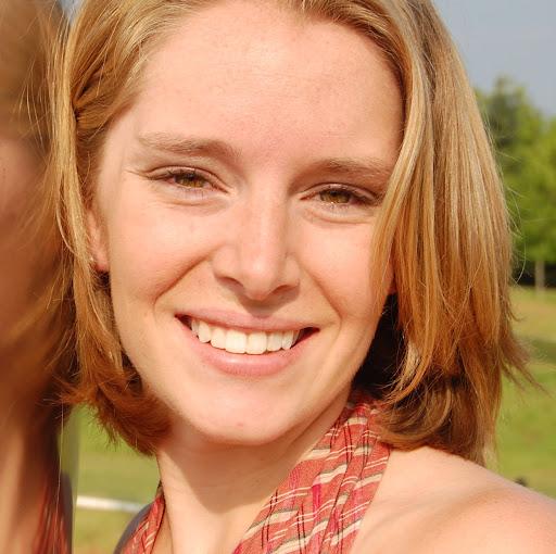 Lauren Forbes Photo 22