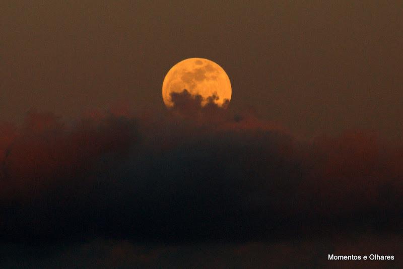 A lua sobre Setúbal