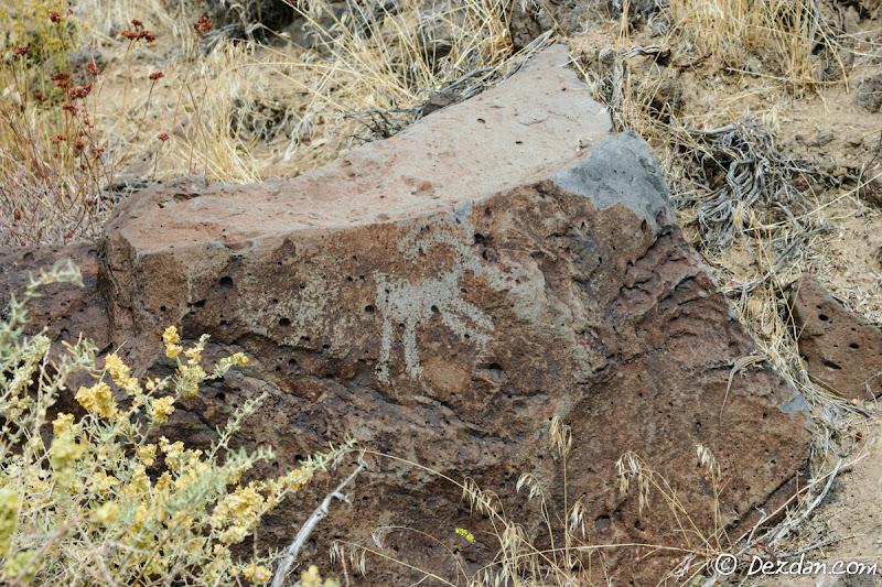 A lone bighorn sheep petroglyph.