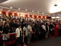 24 A tanévnyitó ünnepség résztvevői a Selye János Egyetem Konferenciaközpontjának dísztermében.jpg