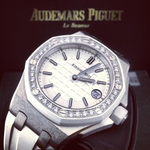 a5e4614d105e GRACIE HOUR  (N A) Audemars Piguet Lady Royal Oak Offshore Diamond