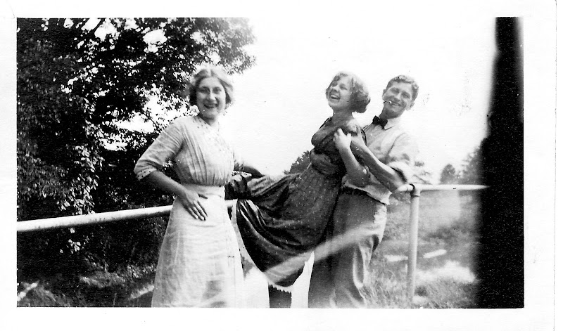 Aunt Pearl, Henrietta and Uncle Lorri
